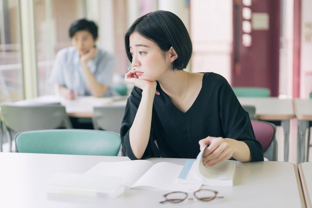 学生生活の最後はおしゃれに決めよう!謝恩会のドレス選びのポイントやマナー