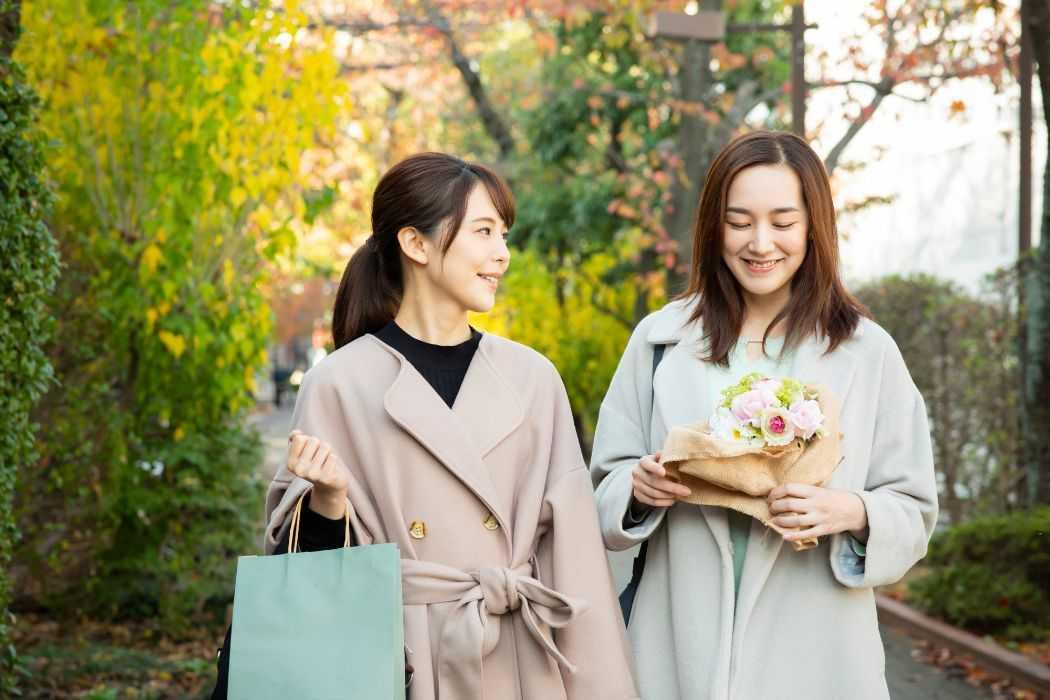 結婚式に着ていくコートの選び方とは?マナーや注意点について