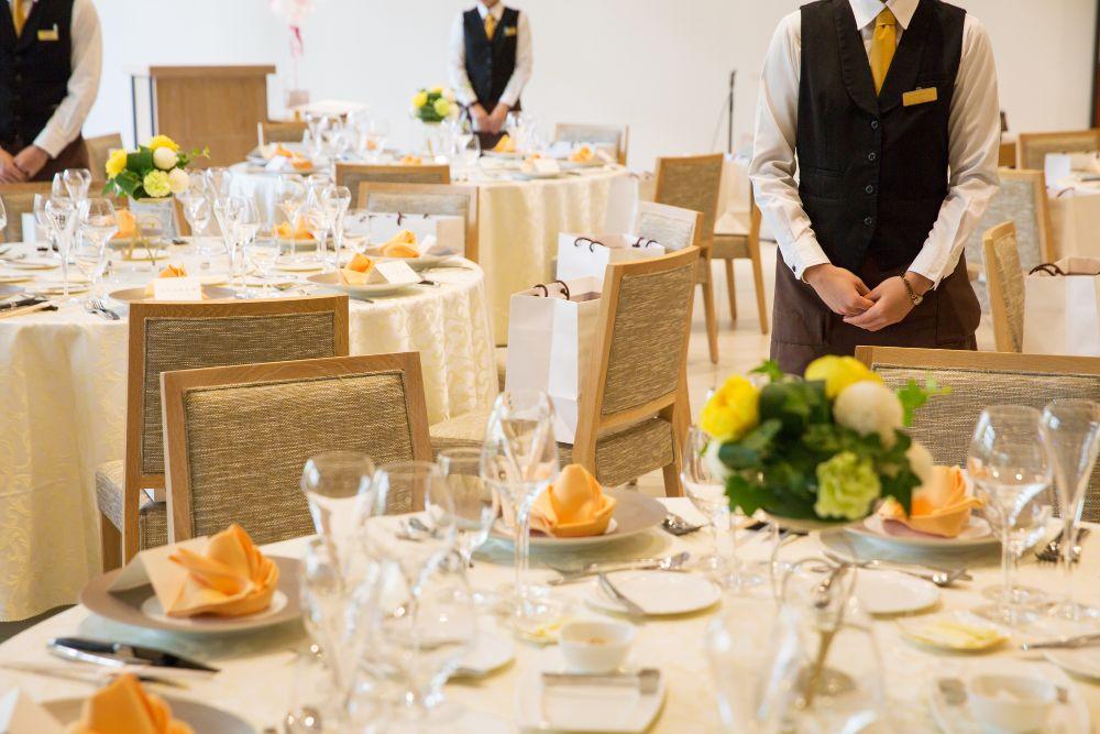 結婚式をしないなら食事会がおすすめ!食事会の魅力と配慮すべきコロナ対策とは?