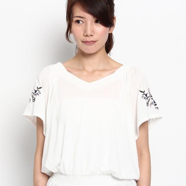 袖刺繍シャーリングカットソー