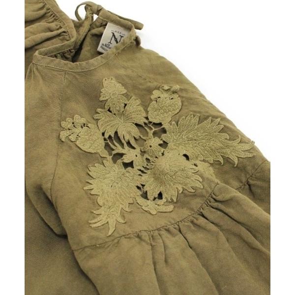 刺繍ベルスリーブブラウス
