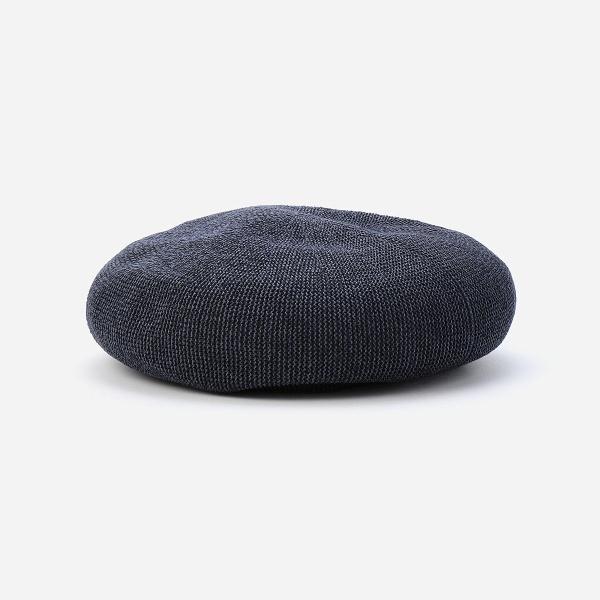 ナチュラル素材のベレー帽