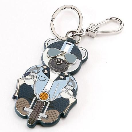 cb5f495459e8 フルラのクマフラージュ キーリングキュートなモチーフのクマフラージュ キーリング。バッグチャームとして