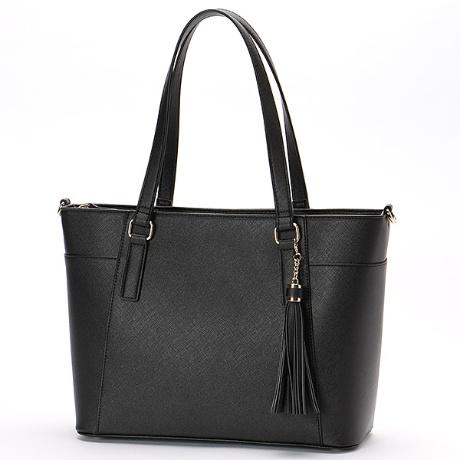 モニカのレディースバッグ