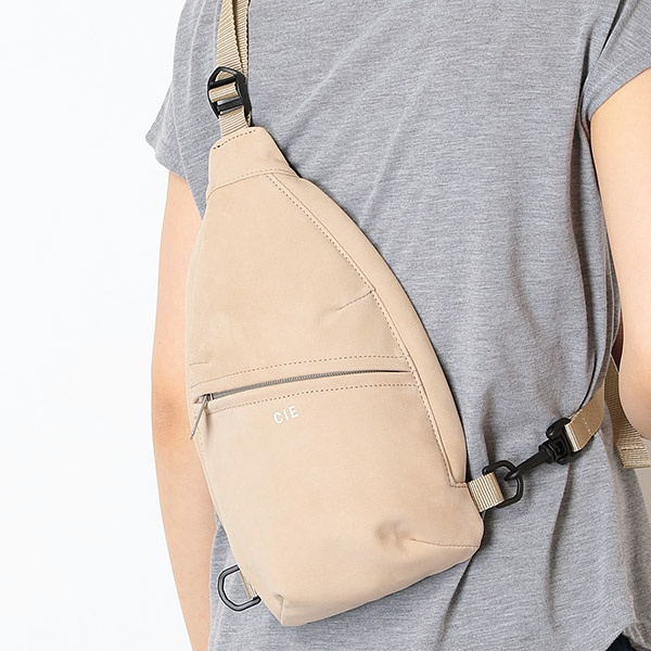 [マルイ] ヌバックレザーミニバッグ(CIE-SLING MINI BAG NUBUCK BK)/CIE(シー)