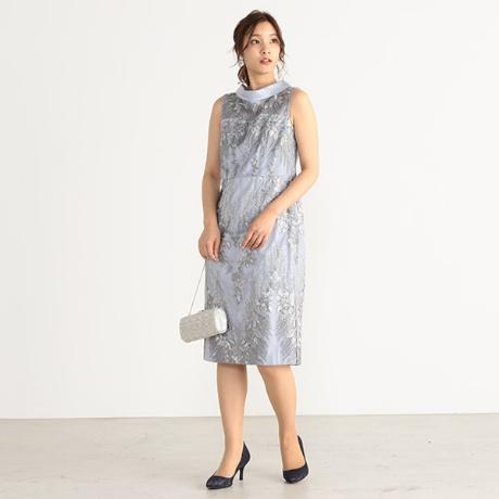 刺繍入りレース使いIラインドレス